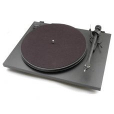 Pro-Ject Audio System Essential II